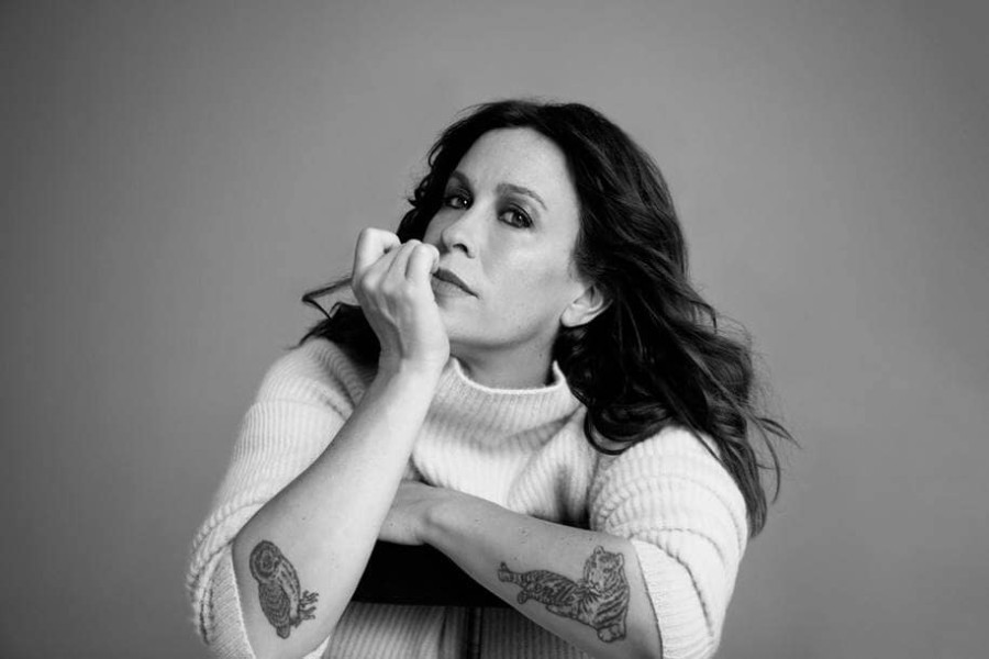 "Alanis Morissette Announces 9th Album ""Such Pretty Forks in the Road"",  Releases New Song ""Reasons I Drink"" - pm studio world wide music news"