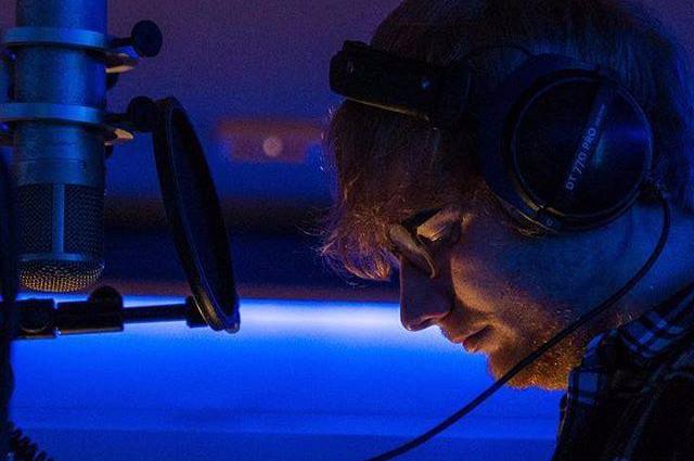 Ed Sheeran Premieres New Music Video For Happier Pm Studio